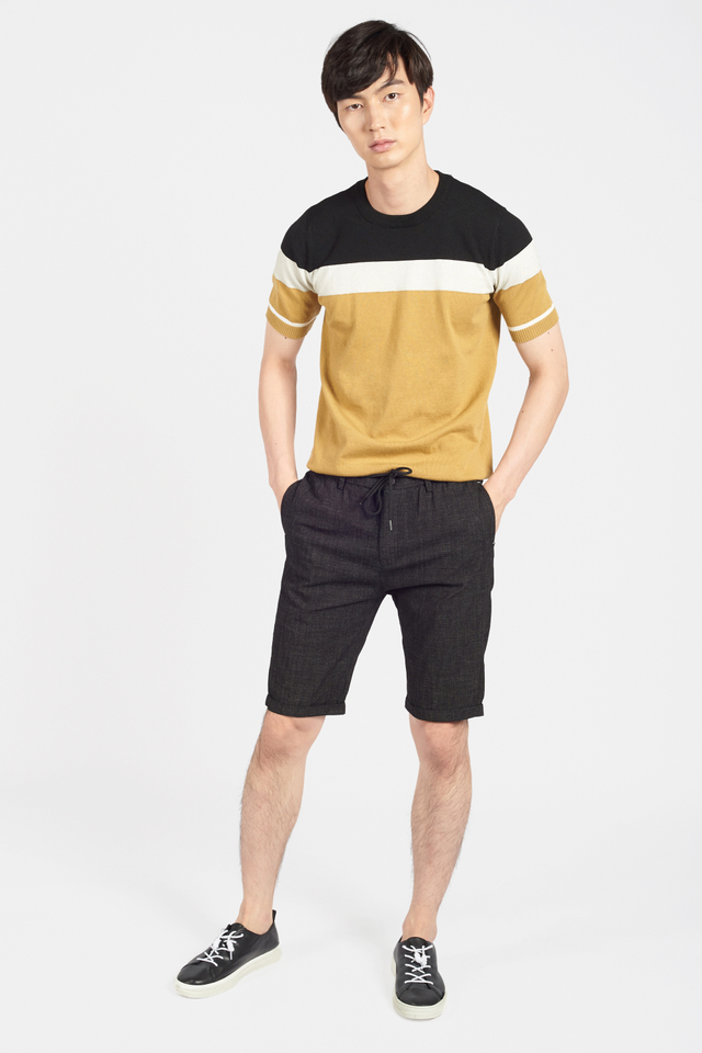 Fine Knit Color-Block Short Sleeve T-shirt in Mustard