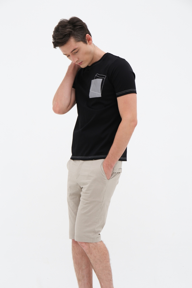 Dotted Pocket Crew Neck Tee in Black