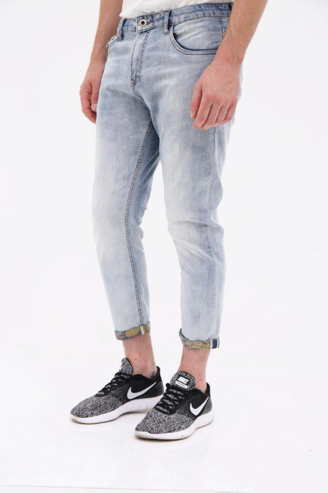 Light Washed Denim Ankle Jeans