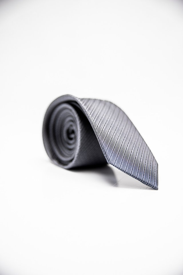 GEOMETRIC TIE IN DARK GREY